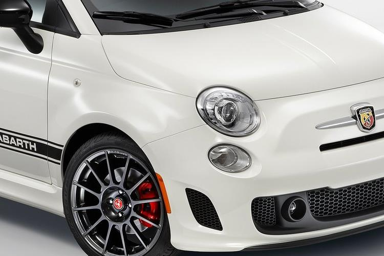 Abarth 595 C Cabrio 1.4 T-Jet 145PS 70th 2Dr Manual detail view
